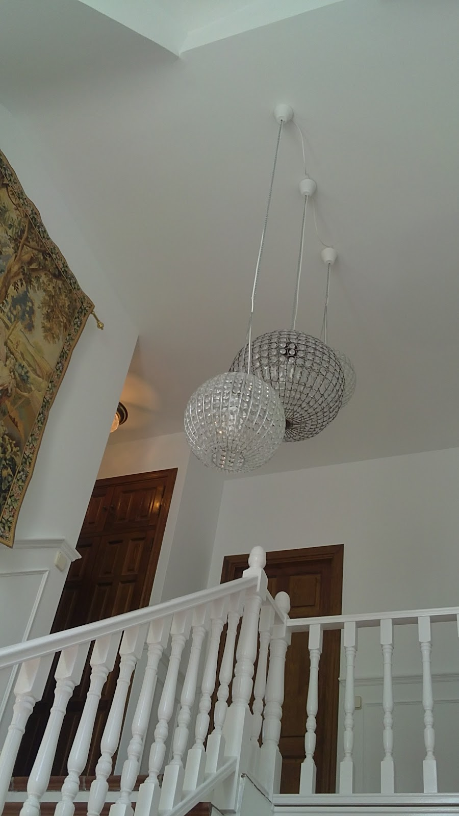 Mondecor s l chalet - Como pintar una escalera interior ...