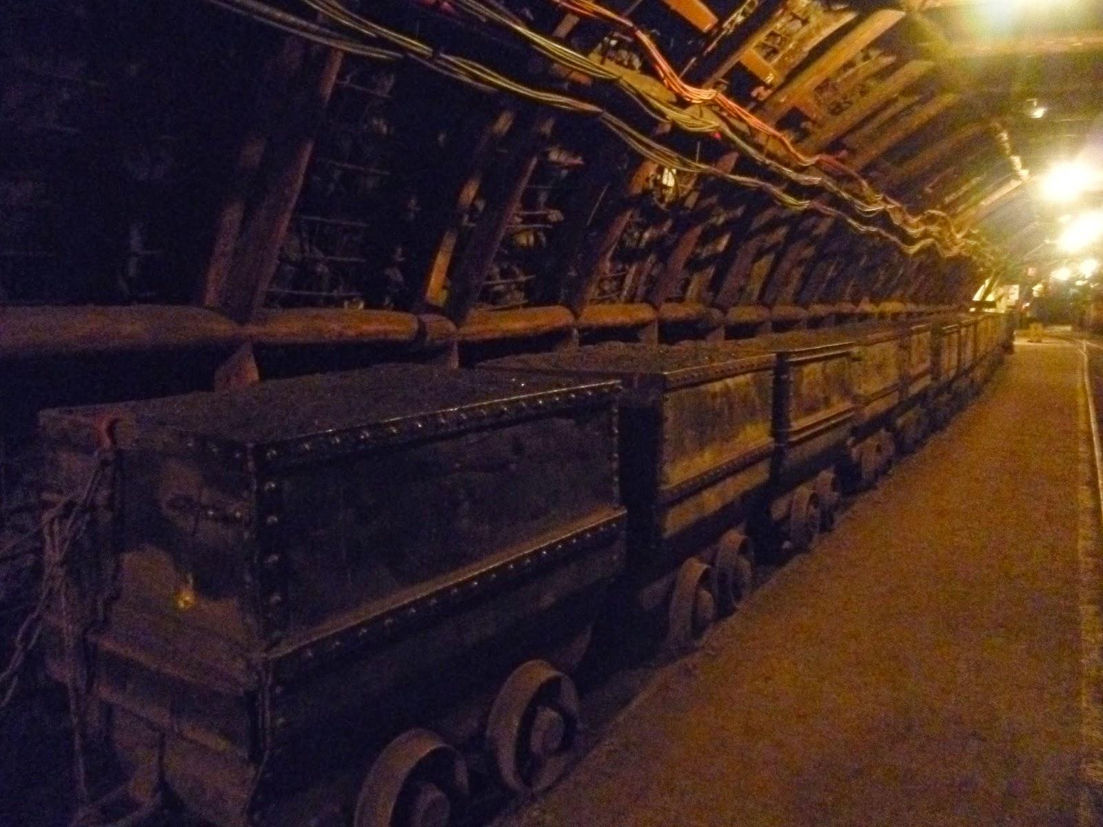http://graindesab.blogspot.fr/2014/12/noir-comme-du-charbon.html
