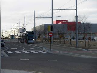 Tranvía zaragoza Centro sanitario