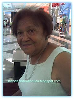 Mamãe Estelita depois do corte de cabelo.