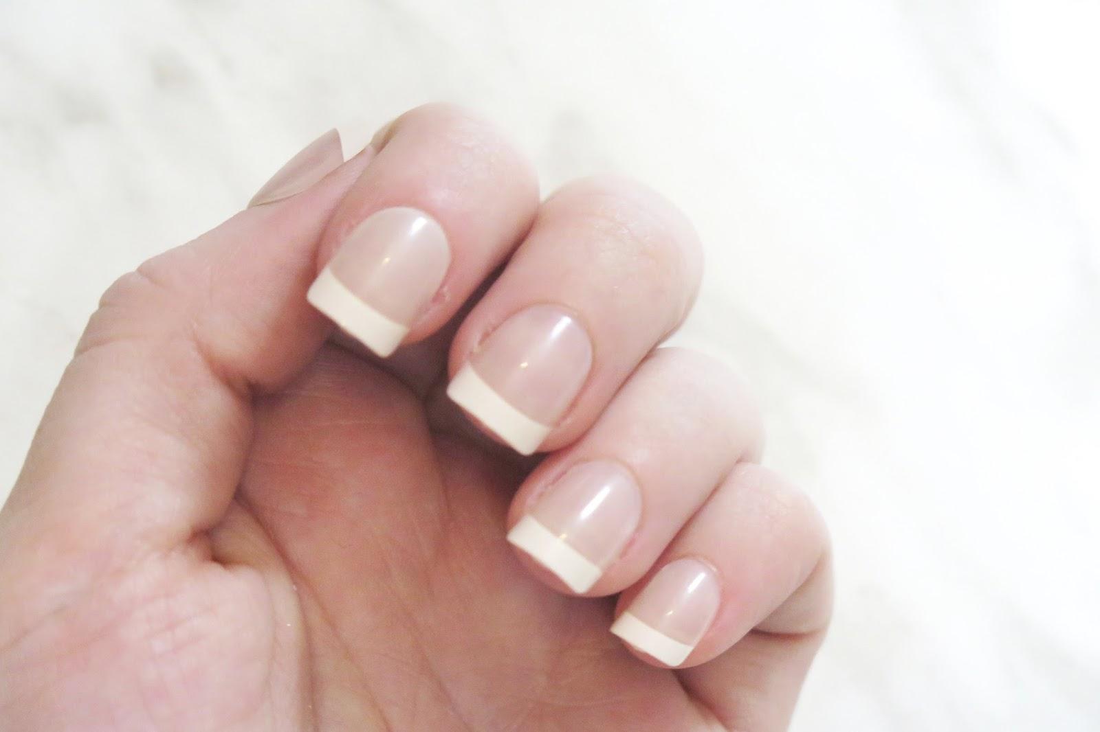 Review | L\'oreal Colour Riche Press On Nails | La Belle Sirene