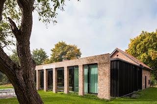 Refugio Convertido en Moderna y Acogedora Vivienda, Construcción Responsable