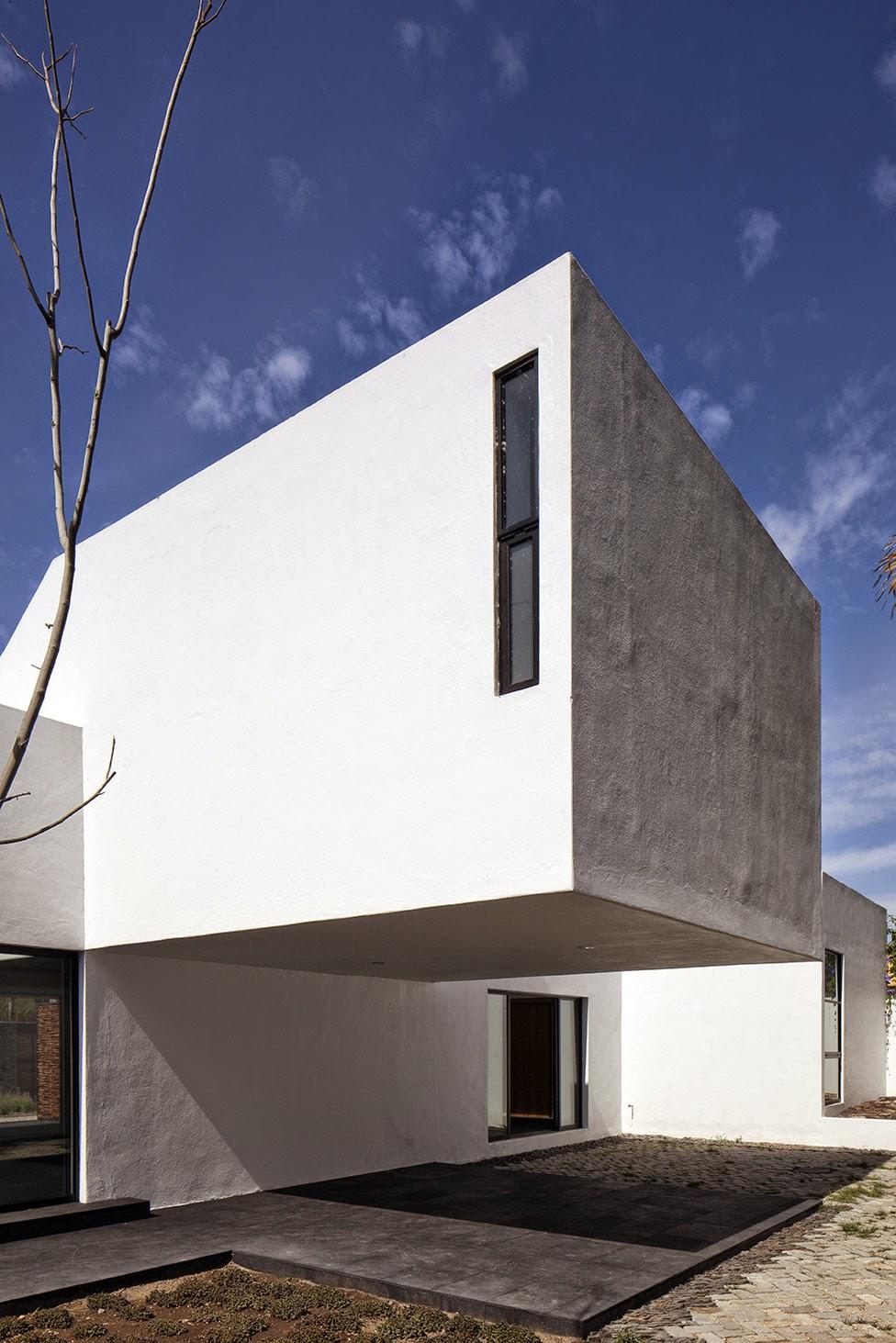Rumah dengan Perpaduan Lokalitas dan Modernitas 19