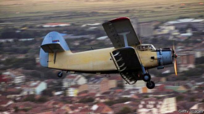 الطائرة التي تطير إلى الخلف .. قصة أغرب طائرة في العالم 150420152523_the_plane_that_can_fly_backwards_512x288_gettyimages