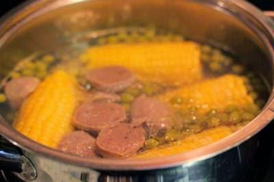 Beef Balls Soup with Vegetables - Canh Bò Viên Rau Củ