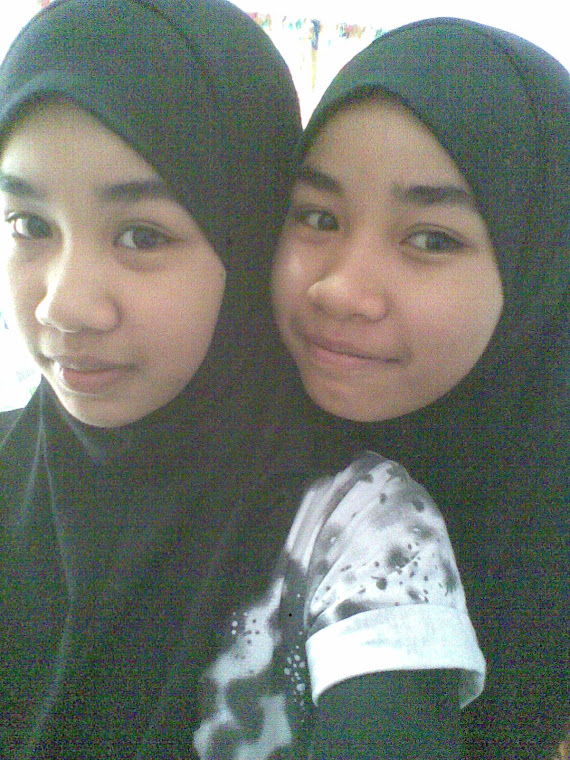 aq with my twin..!!