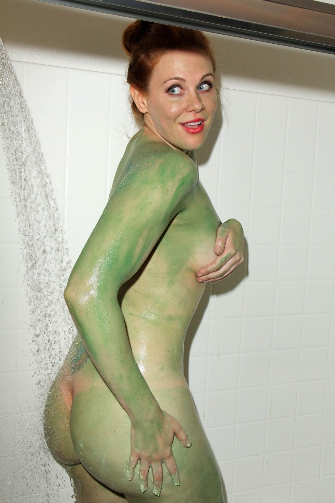 girls in sexy costumes nude