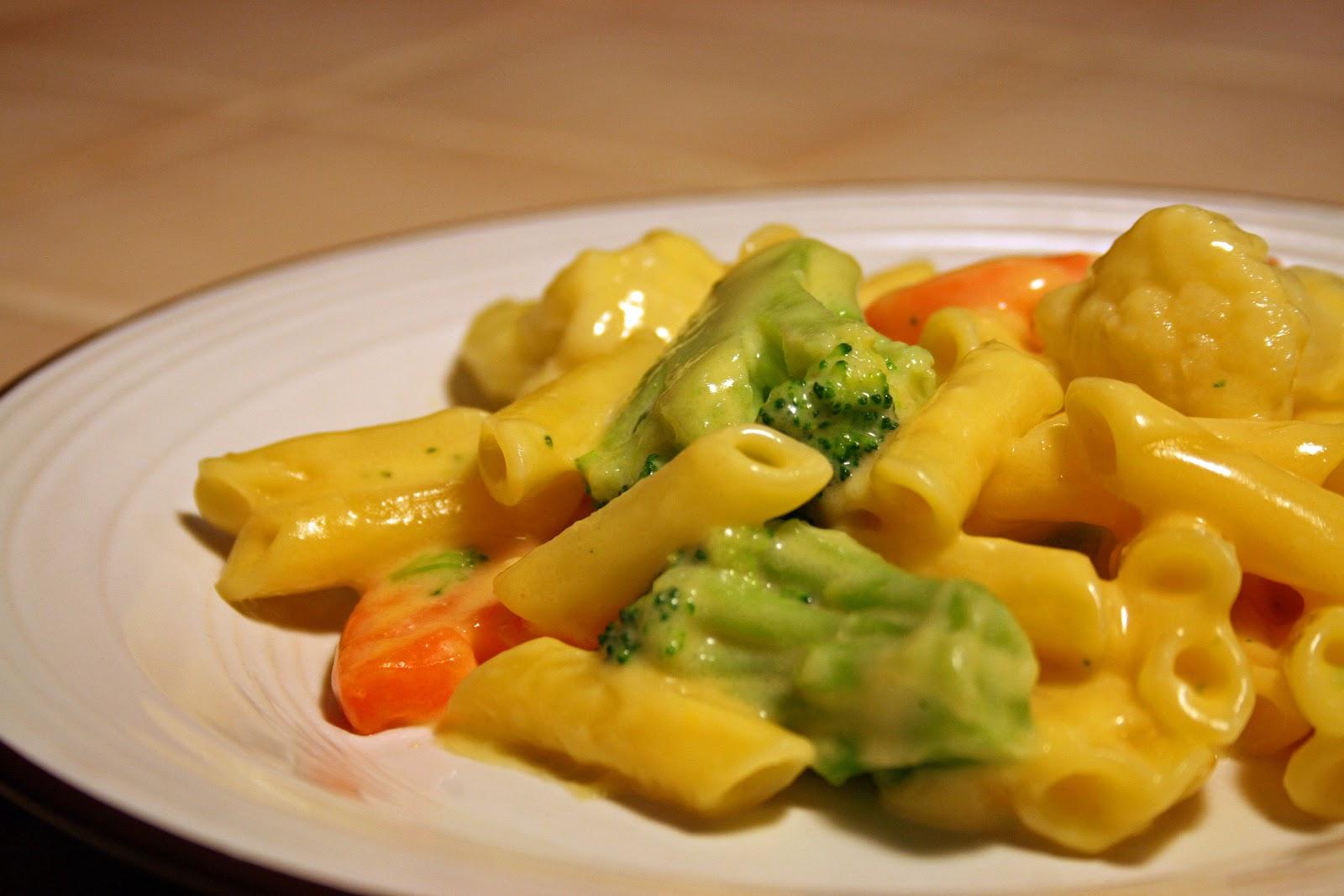 Lazy Gluten Free: Gluten Free Vegetable Mac & Cheese