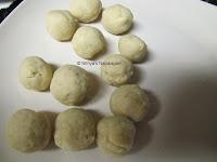 4 Bread Gulab Jamun
