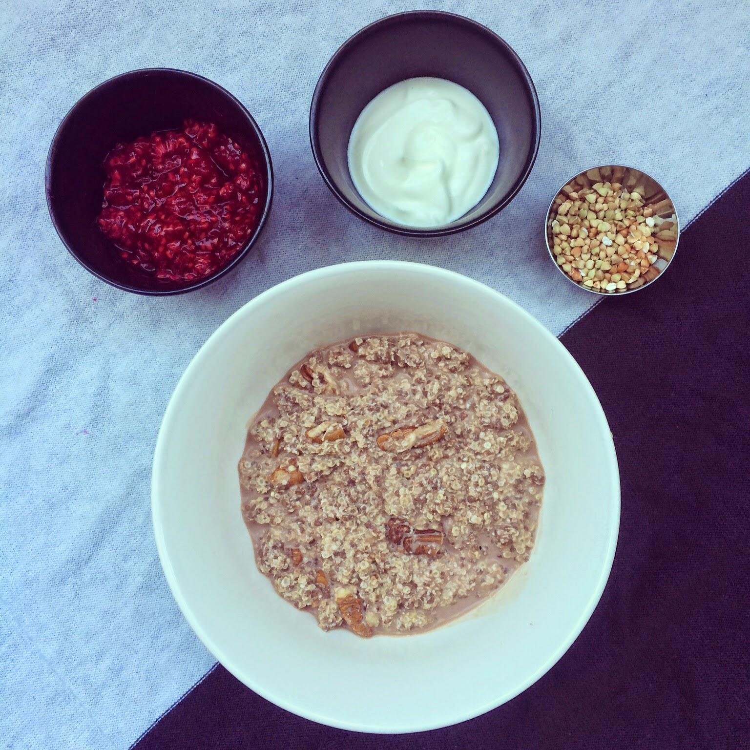 porridge quinoa cacao framboises