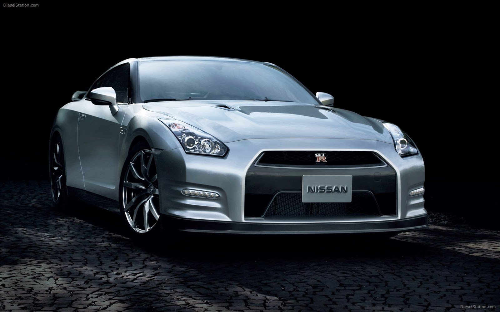 nissan gtr hd wallpapers fine food. Black Bedroom Furniture Sets. Home Design Ideas