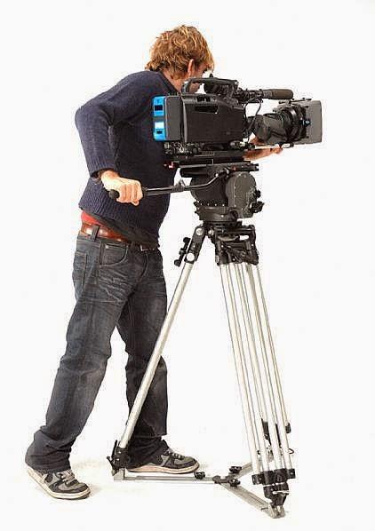 Menggunakan tripod kamera