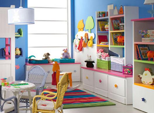 Espacio de juego de habitacion infantil con cajones tipo - Habitacion infantil pequena ...