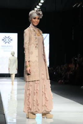 gaun pesta muslim Model Gaun atau Gamis Pesta Muslimah Modern