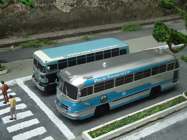 MERCEDES-BENZ O-321/CHEVROLET COACH