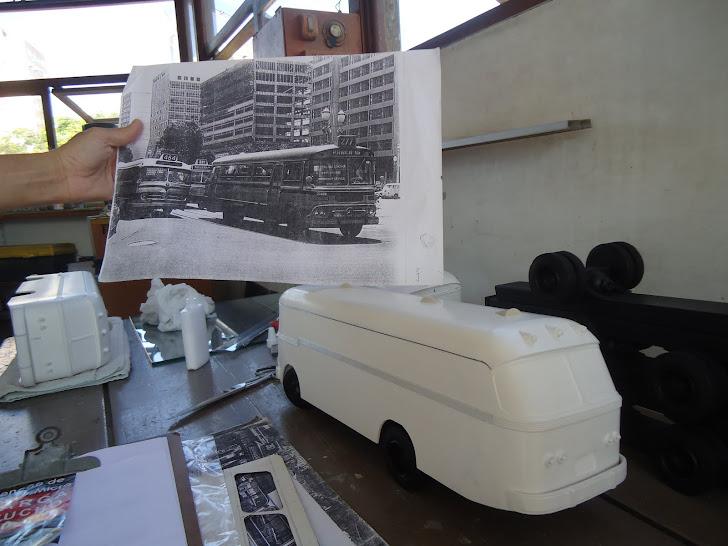 Processo da confecção das miniaturas do ônibus Cermava