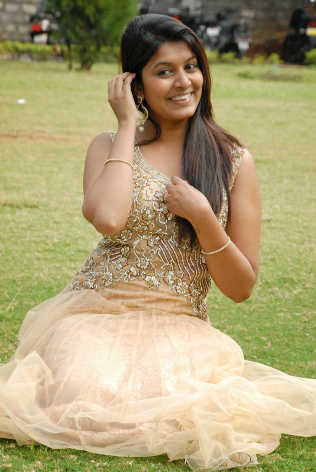 Kavya Kumar Latest Pics in Gown-HQ-Photo-2