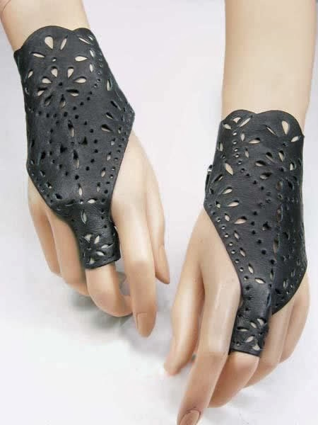 Fashionable black leather gloves