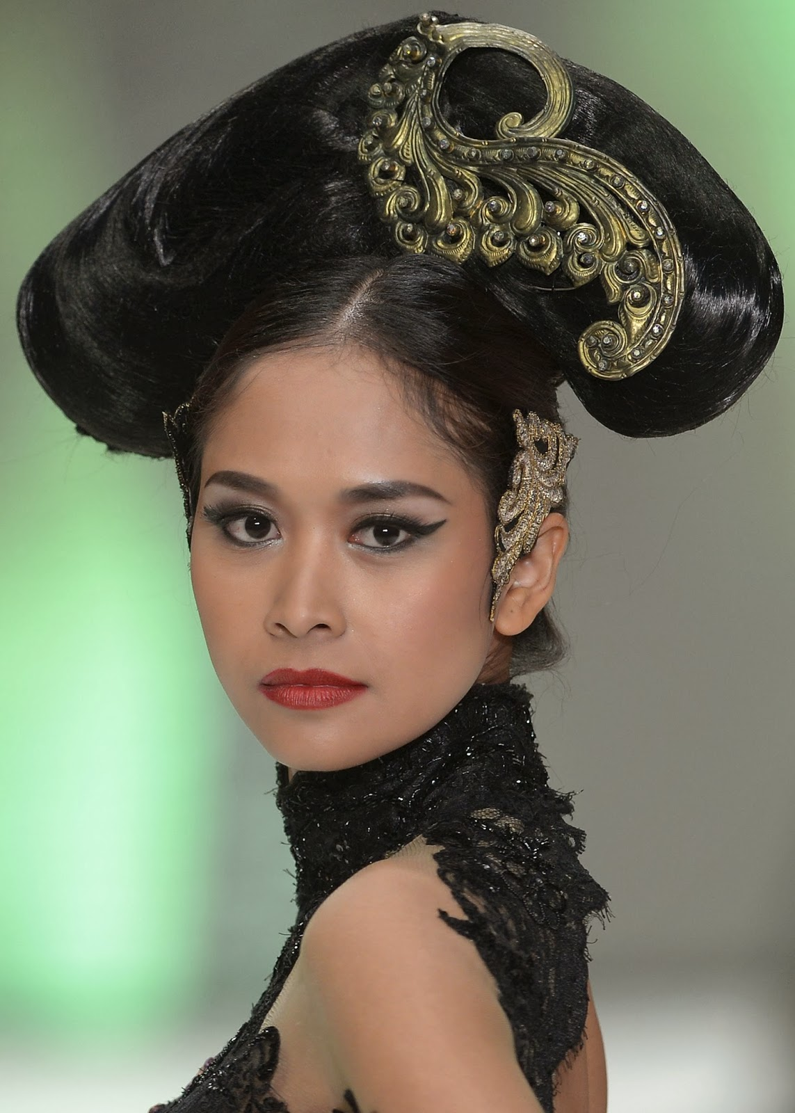 Anne Avantie, Creation, Designer, Fashion, Fashion 2014, Fashion Week, Indonesia, Indonesia Fashion Week, Jakarta, Models, Pictures, Ramp, Showbiz,
