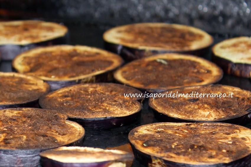 Melanzane grigliate su pietra lavica i sapori del - Cucinare con la pietra lavica ...