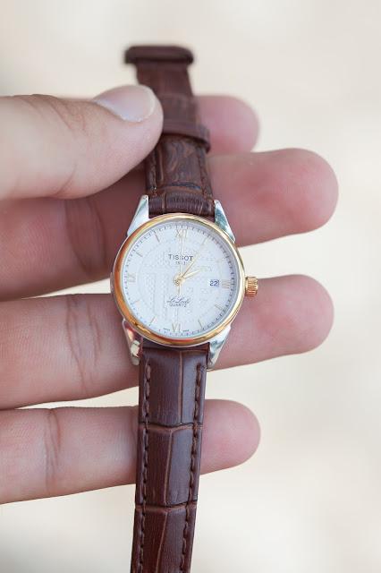 Đồng hồ nữ dây da Tissot