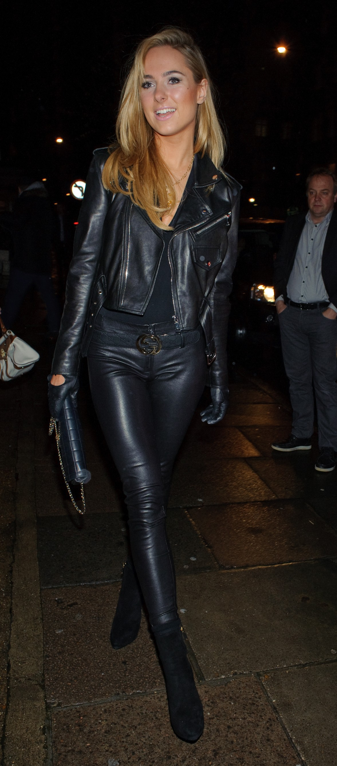 Ladies in leather gloves and boots - Kimberley Garner Leather Uhq