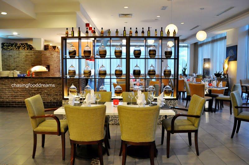 Italian Stone Dining Room Tables