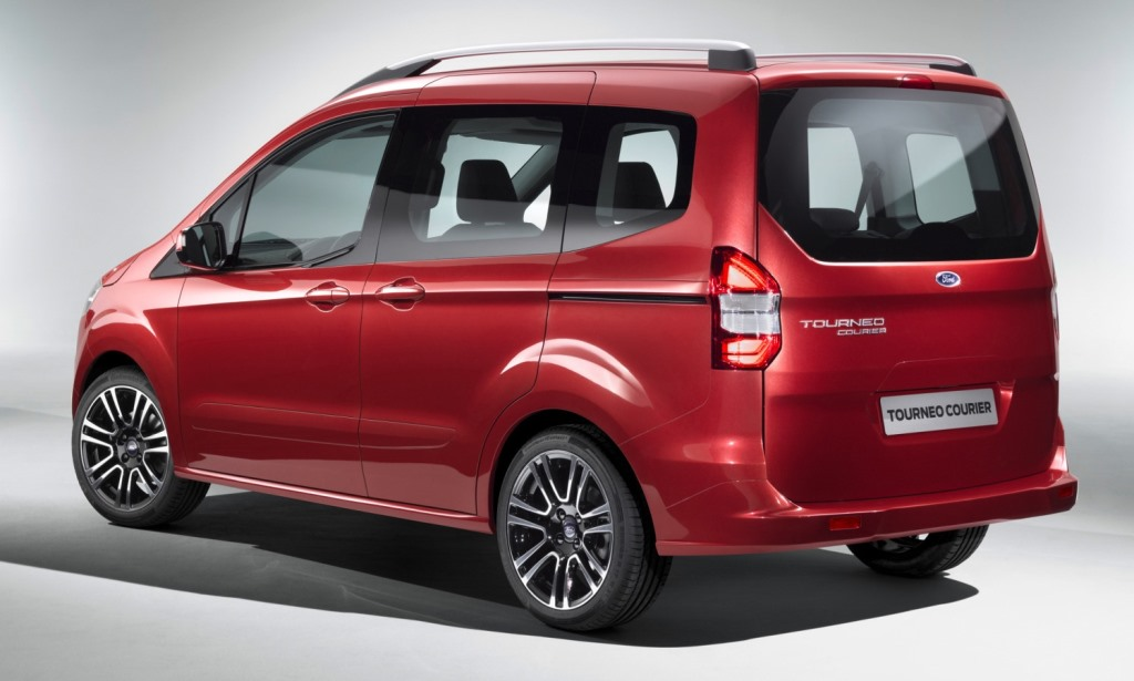 Multipropósito según el Kinetic Design: Ford Tourneo Courier ...
