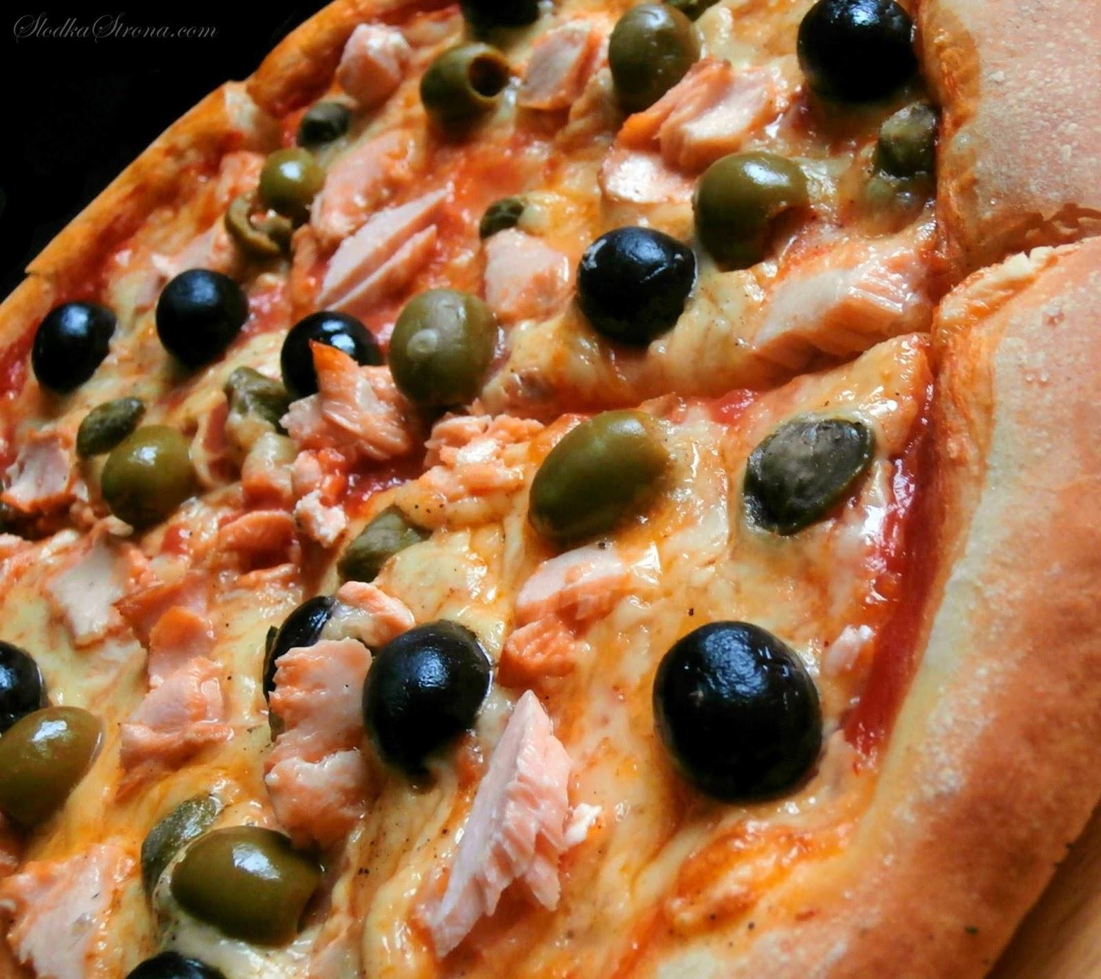 pizza z lososiem przepis