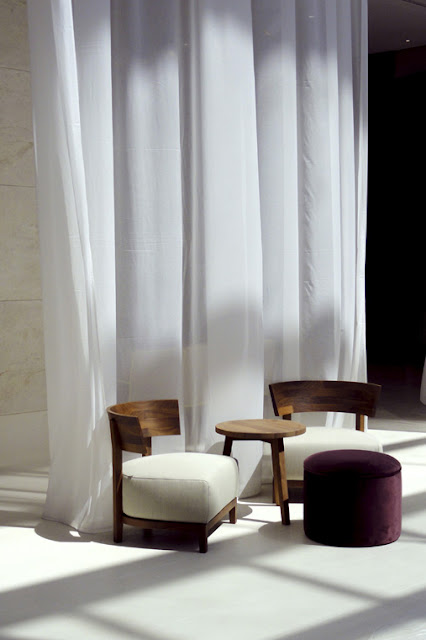 simplicity love hotel hilton barcelona matteo thun. Black Bedroom Furniture Sets. Home Design Ideas