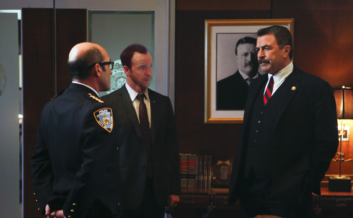 Blue bloods episode 4 22 exiles season finale press release