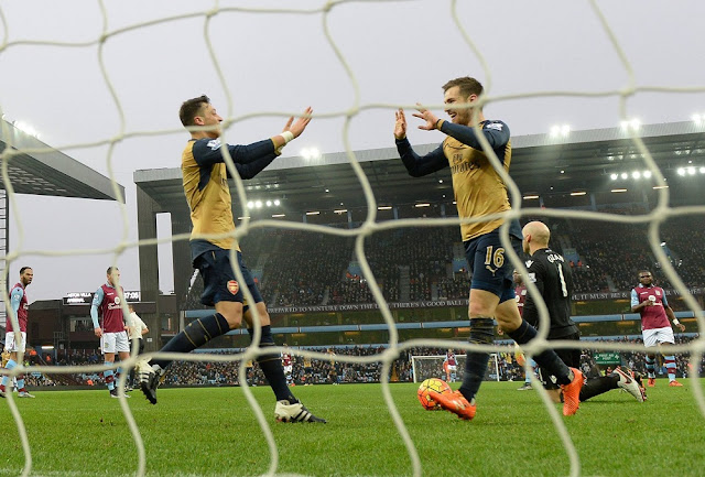 ozil ramsey celebration aston villa arsenal 2015