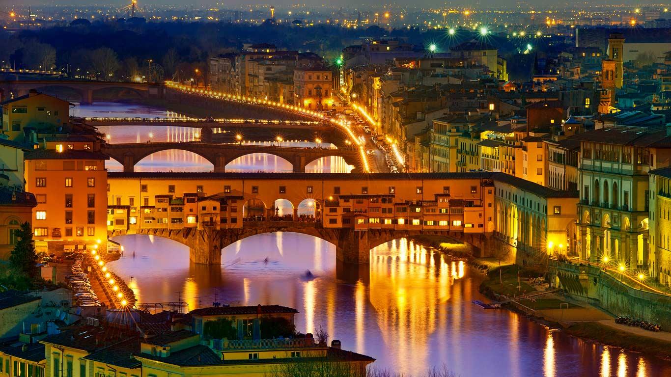 Ponte Vecchio, a bridge over the Arno River in Florence, Italy (© Sylvain Sonnet/Corbis)