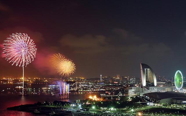Fuegos Artificiales en la Ciudad de Yokohama capital de Kanagawa en Japón