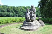 Sousoší Babičky/Babička´s Statue