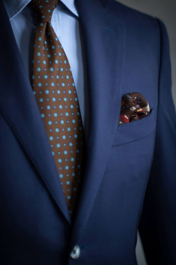 Сочетание костюма, галстука и рубашки является настоящим искусством