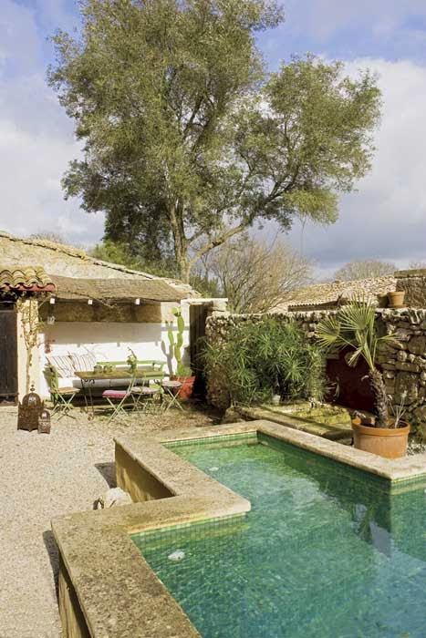 Estilo rustico piscinas rusticas for Casas rurales cerca de piscinas naturales