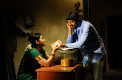 O Manishi Katha Movie Photos Gallery-thumbnail-7