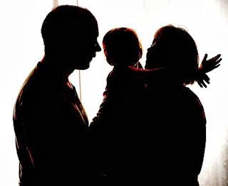 Μητέρα δύο παιδιών που ήταν σε διάσταση με τον σύζυγό της έβαλε τέλος στη ζωή της