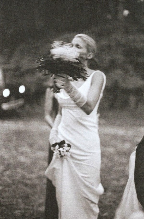 John f kenndey jr and carolyn bessette the life the for Caroline kennedy wedding dress