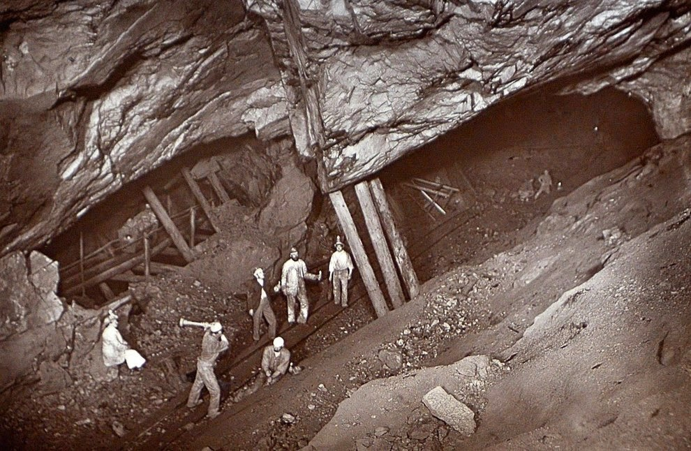 Stull Or Stemple Caving Chat Uk Caving