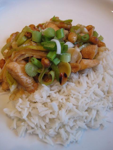 Kuracie Kung Pao a ryža Basmati