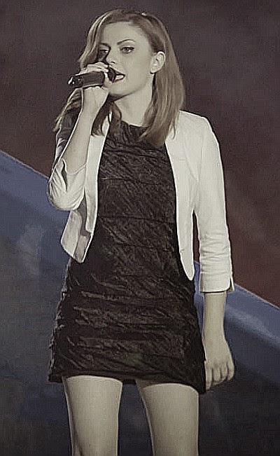 Annalisa Scarrone canta una finestra tra le stelle al festival di Sanremo