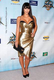 Kim Kardashian Gray Floor