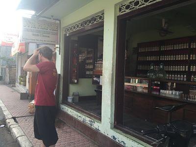 IBMF Bali. Gianyar. Perfumería.