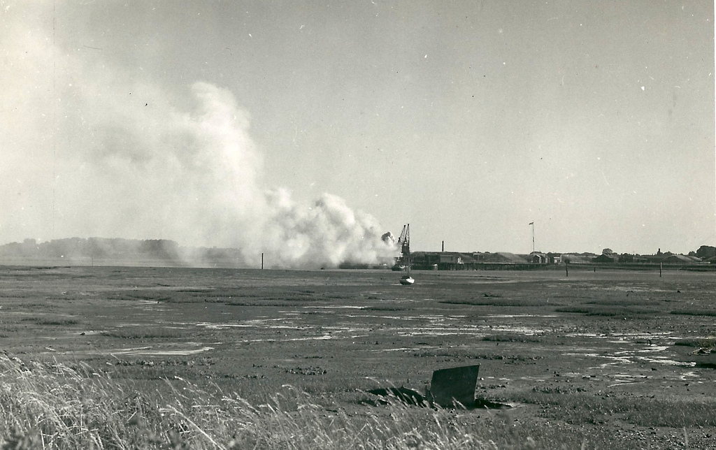 Smoke from Bedenham explosiom 1950