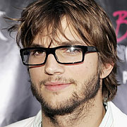 ashton kutcher to play the role on steve jobs in independent movie