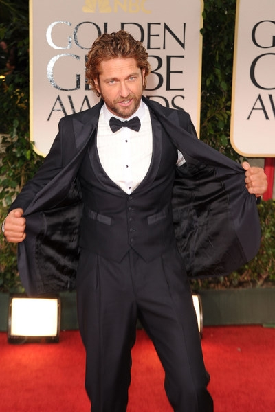 Gerard+Butler+at+the+Golden+Globes+ Bad+fitting+suit