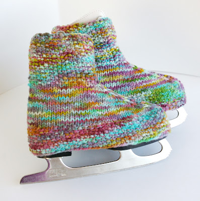 skate, boot, covers, warmers, skate covers, skate warmers, handmade, knit, knitting, knitted, pattern, free, diy, wool, yarn, girl's, children, figure skates, figure skating, free pattern