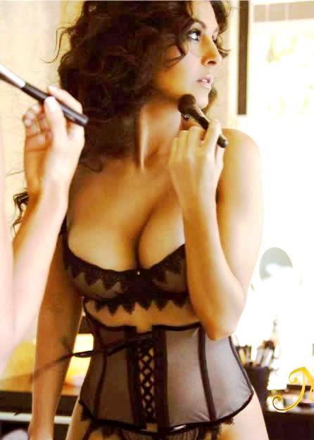 Aria giovanni sexy nude photos